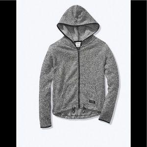 Sweater knit high-low zipper